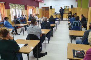Zachodniopomorski Uniwersytet Ludowy przedstawił Radnym swoją propozycje dla szkoły w Piasku