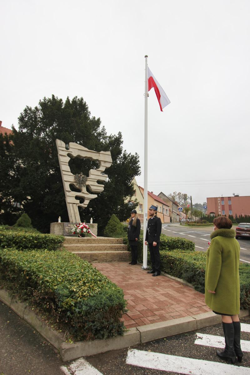 Narodowe Święto Niepodległości - pomnik w Cedyni