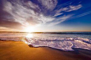 Morze, plaża, słońce, niebo